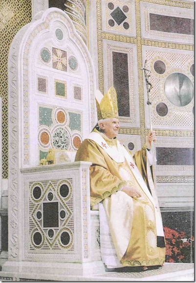 pope_benedict_throne_website