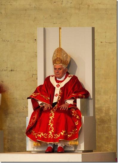 Pope Benedict XVI Pope Benedict XVI Visits oC25y-A-T-Bl